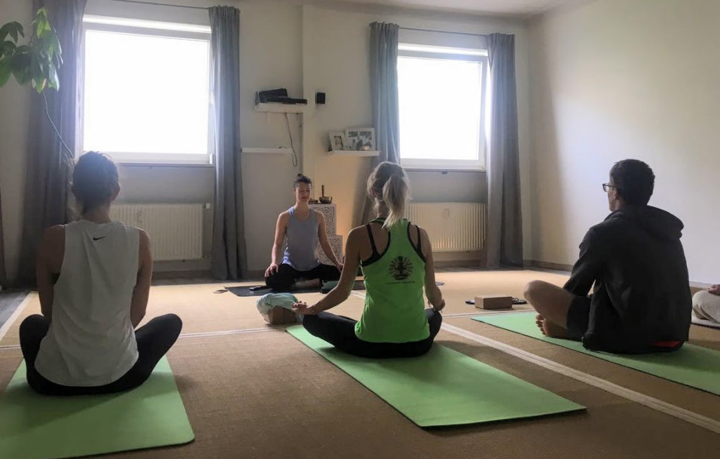 Business Yoga, Firmenyoga, Yogaunterricht, Vinyasa Yoga,