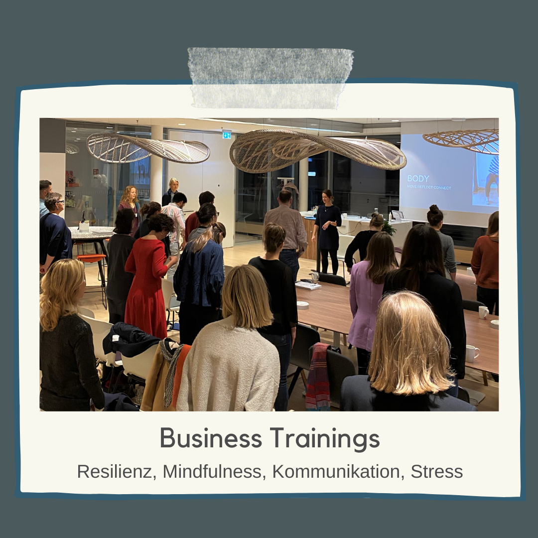 Mindfulness Coaching, Business Training Achtsamkeit, Mindfulness, Achtsamkeit, Resilienz, mentale Stärke, gewaltfreie Kommunikation, Teamtraining, Business Coaching, emotionale Intelligenz, Mindsense Training by Pia Baur, Business Yoga, Meditationsworkshops, Vorträge, Speaking, Gelassenheit, Kraft, Stärke, Podcast Fully Connected,